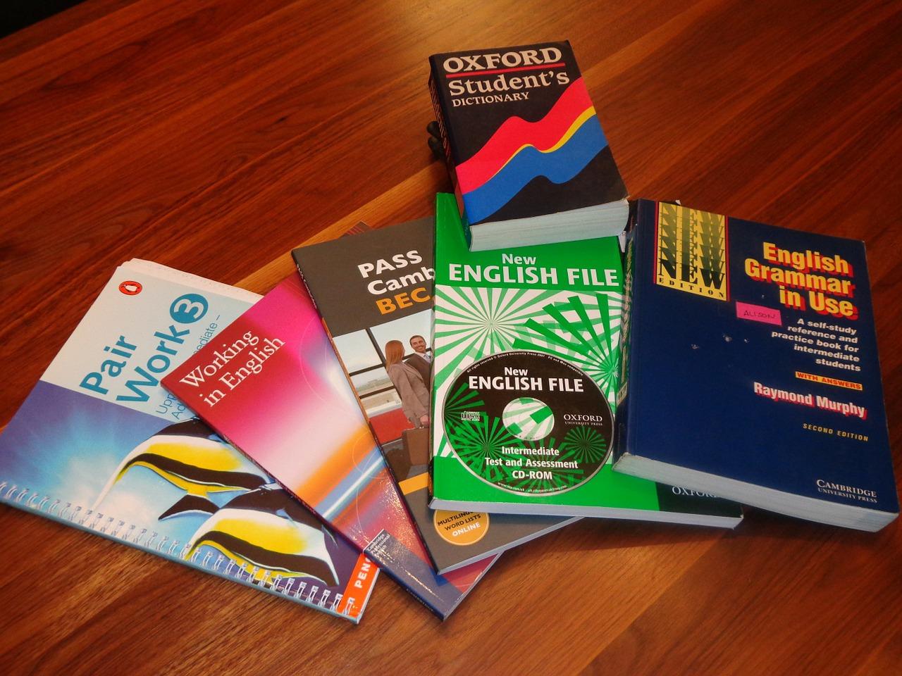 school-books-99476_1280